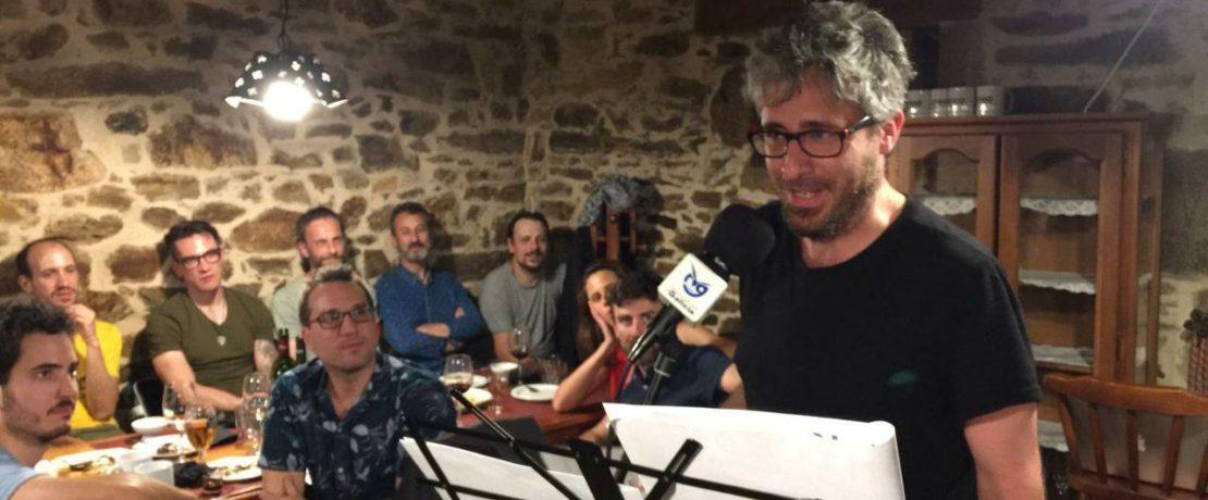 Alexandre Cancelo recibindo o premio CREA á mellor obra experimental pola película 7 Limbos